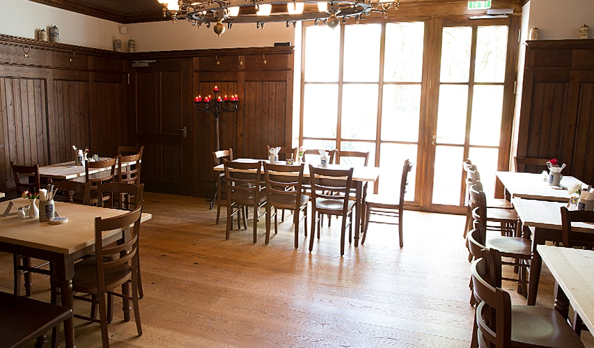 Augustiner Bräu Echardinger Einkehr Restaurant ungestört im Nebenraum