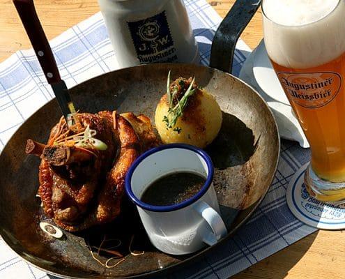 Augustiner Bräu Echardinger Einkehr Restaurant knusprige Schweinshaxe