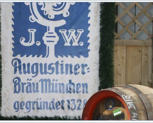 Augustiner Bräu Echardinger Einkehr Restaurant Bier aus dem Holzfass